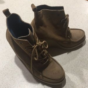 GAP WEDGE ANKLE BOOTS